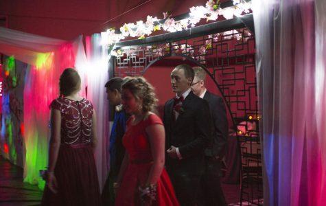 Oriental-Themed Prom Success