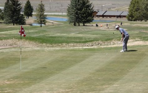 Golfers Have Spring Success