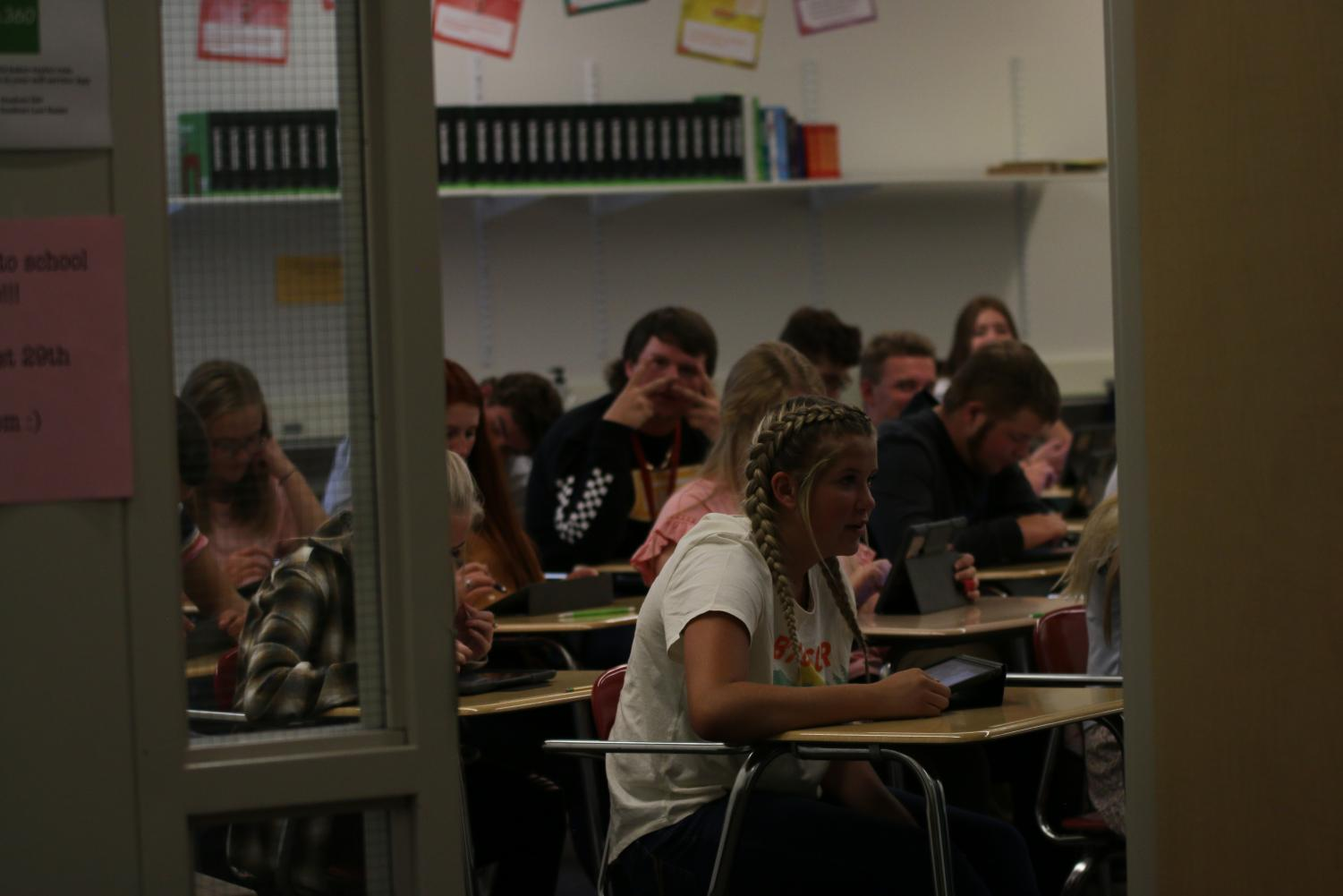 SVHS STUDENTS PUTTING IN WORK: Students sit in on their English class as the new year picks back up again. One of the changes this year comes in the form of remediation time, something that took the place of guided reading.