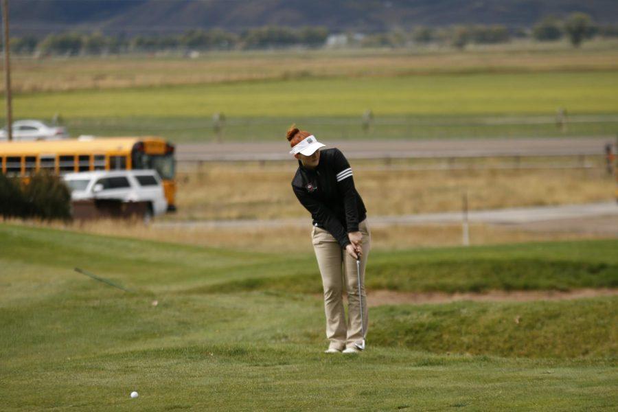 Golfers Wrap up Season at Home