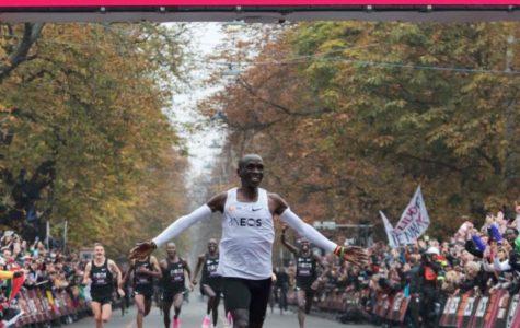 Kipchoge First to Run Sub 2 Hour Marathon