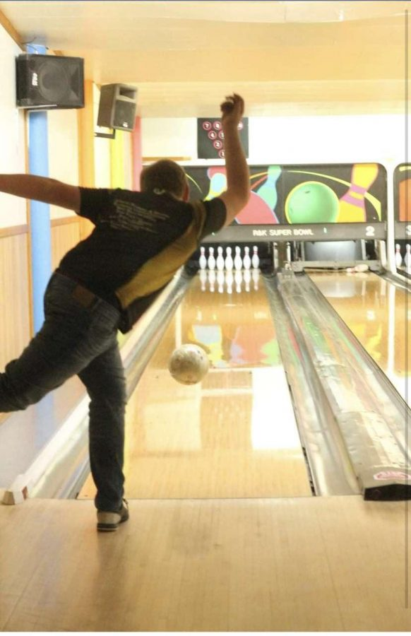 ROLLING%3A+Youth+bowlers+will+compete+at+state+in+Casper+to+see+who+goes+on+to+nationals+in+July.+